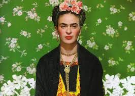 Las Apariencias Engañan: Los vestidos de FridaKhalo